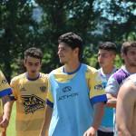 Manolo Brandon (primero izq) frente a Chaca, su último partido en el bohemio