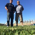 Ing. Daniel Sposito  y Richard, responsable de mantenimiento del Club Foto Gentileza: www.caatlanta.com.ar