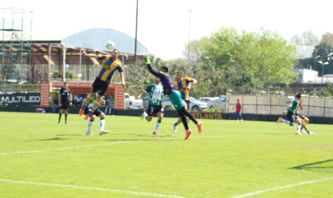 El cabezazo goleador de Ezequiel Rodríguez para decretar el 2 a 1 parcial